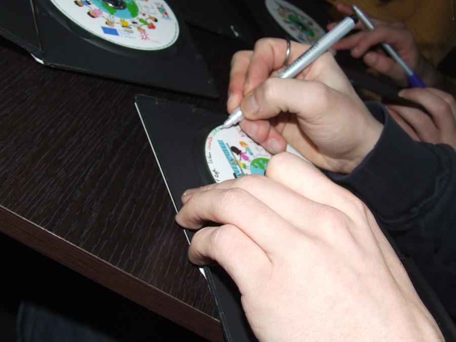CD HTE sign (11)