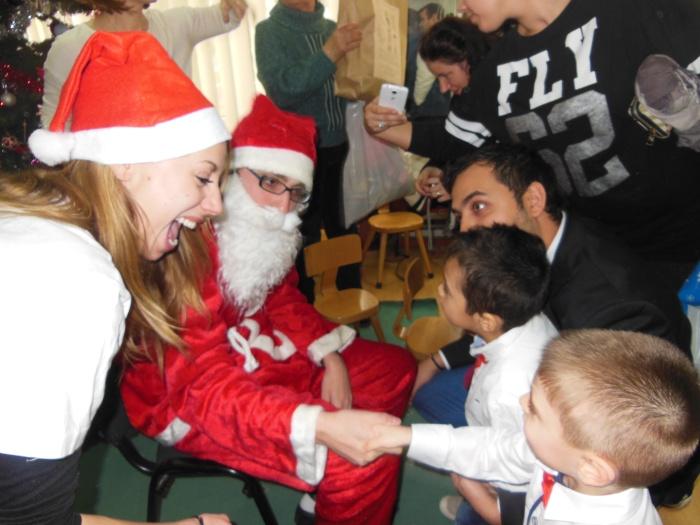 Campania Jucarie 2014 Jucarie cadouri Centrul Sf Vasile (45)