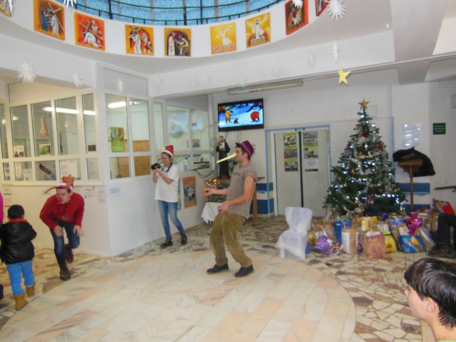 Campania Jucarie Jucarie 2014 cadouri (114) Centrul N Robanescu
